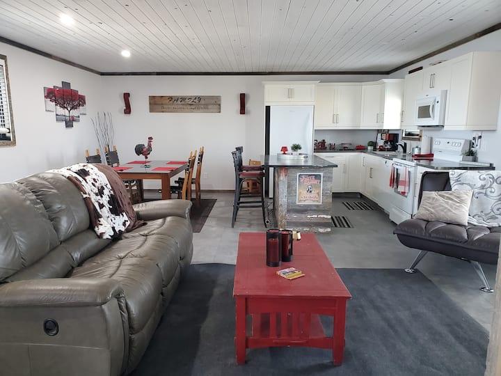 Pelican Lounge #2 - Lakefront Rental