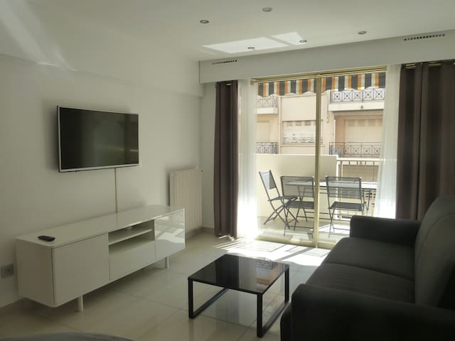 Beach and Congress apartment near Hotel Martinez - Cannes - Apartamento