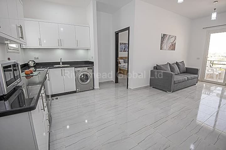 403 Marina View fully furnished 2 bed apartment