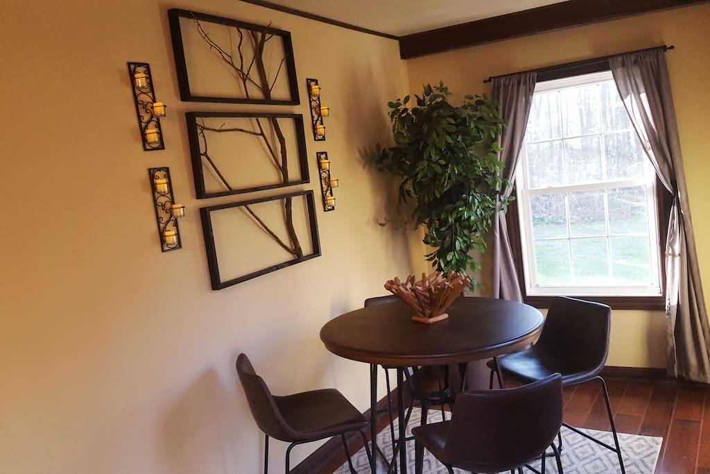 Breakfast nook / pub table