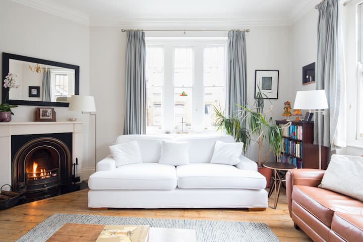 Explore Parsons Green from an Airy Victorian Home