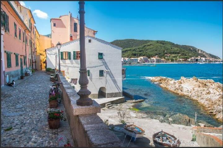Monolocale nel borgo storico di Marciana Marina