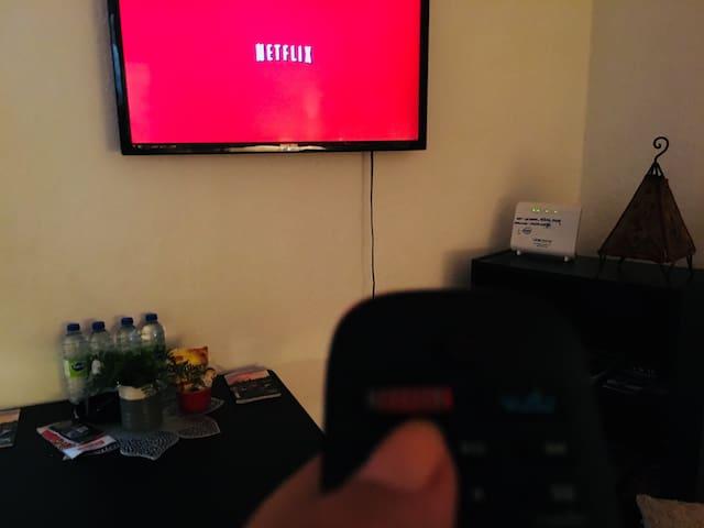 Netflix TV in Living/Dinning Room.