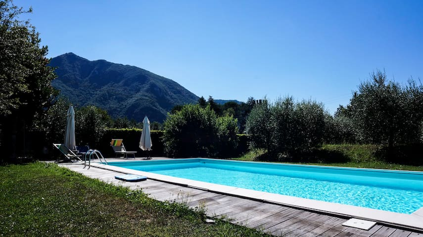 """Azzurra"" with 2 terraces,shared pool and garden! - Lucca"