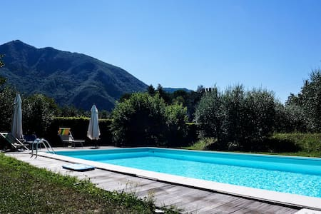 """""""Azzurra"""" with 2 terraces,shared pool and garden! - Lucca - Lägenhet"""