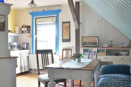 Liebevoll gestaltete Ferienwohnung - bis 20.05.17 - Neu Poserin - Apartment - 2