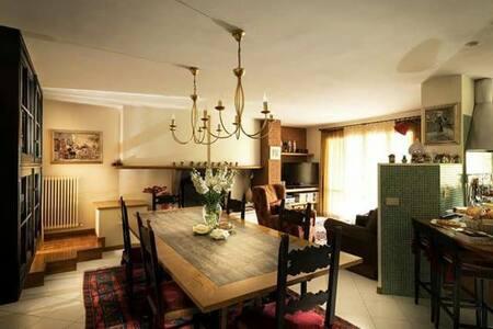 """""""A casa di Patty"""" appartamento in Villa in collina"""