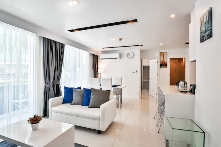 Superb two-bedroom in the heart of Pattaya!