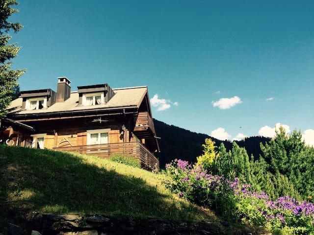 Chalet mit Traumsicht in die Berge - Feldis/Veulden - House