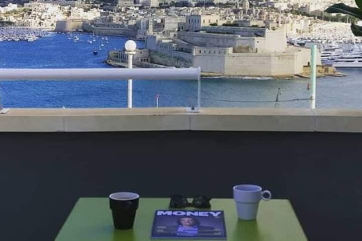 Valletta Centre, Designer loft with views