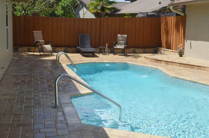 Palm Harbor Family Residential Resort Style Living