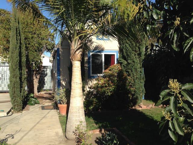 Tiny House/Quiet Sanctuary near Everything
