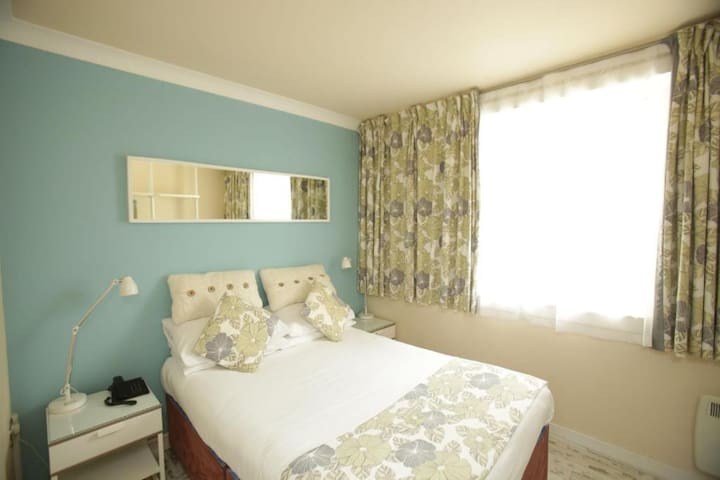 Budget Single Rooms in East Kilbride