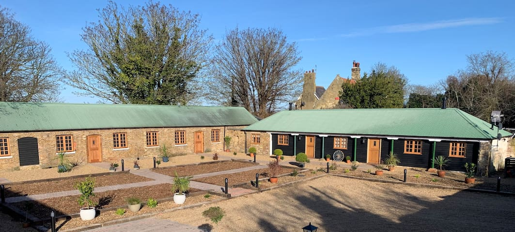 Cheesemans Farm house Stables