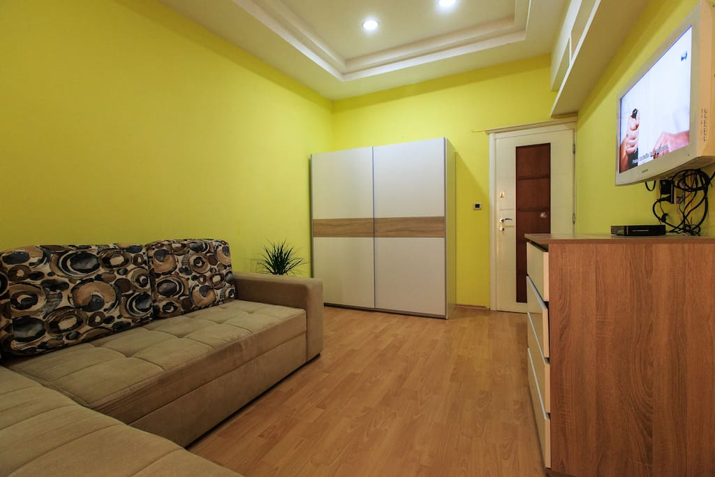 the second bedroom. Sofa, which has escaped and is great for two people.  Each room has a TV, internet and cable TV