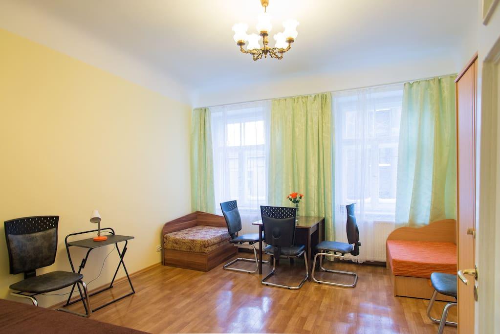 Large bedroom, option 1