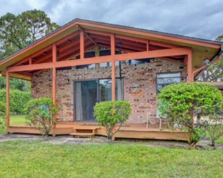 Delray Lonepine Estates guest home