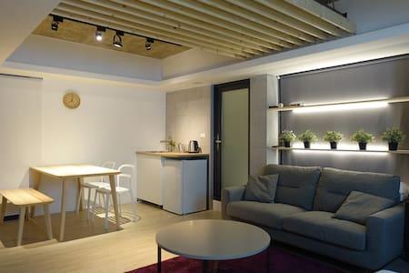 [basement] 3mins to MRT科技大樓站 - Apartamento