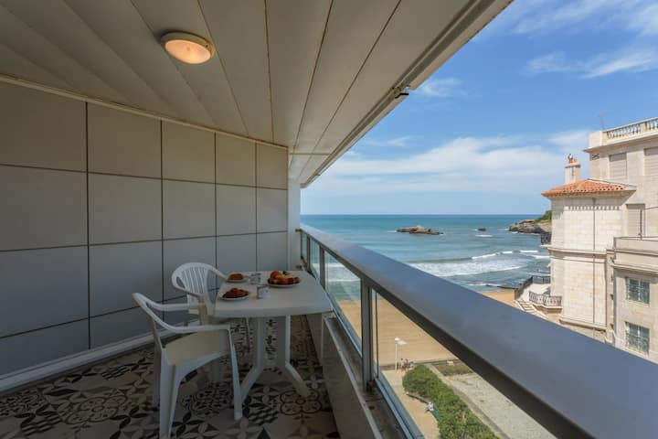 NICE APARTMENT WITH SEA VIEW - HEART OF BIARRITZ