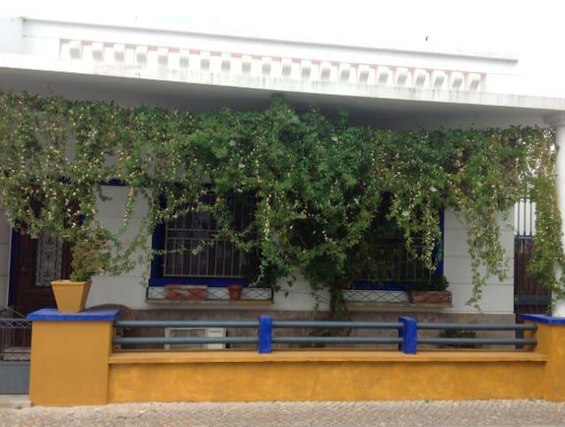Typical Portuguese House - Fuseta - Casa