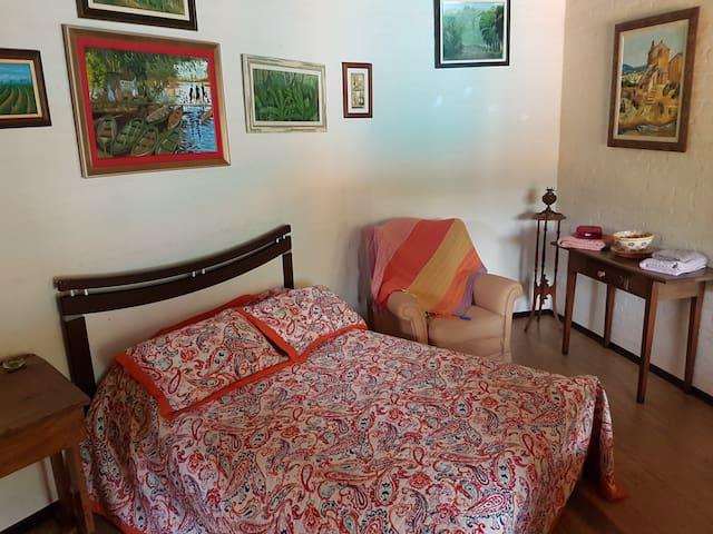 Quarto em linda casa com Piscina Unicamp - Campinas - Hus