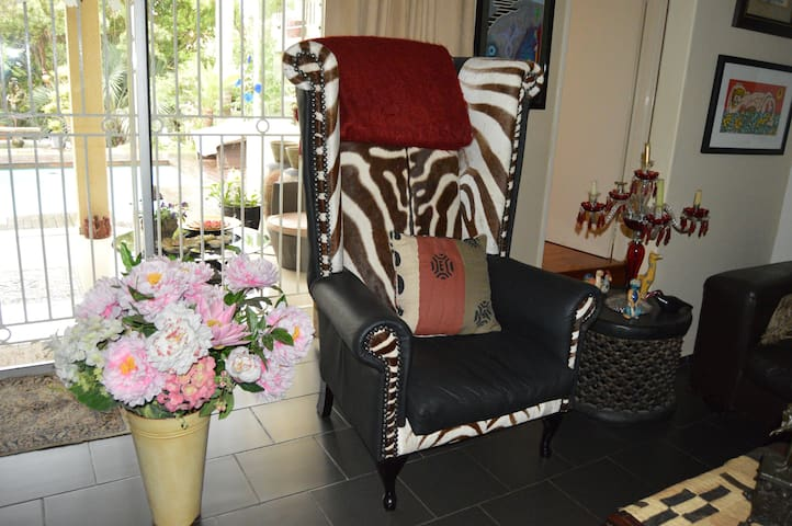 Comfortable, upmarket, relaxing home from home - Sandton - Bed & Breakfast