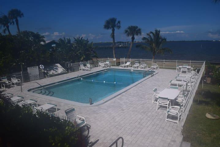 Caribbean Shores Vacation Rental 10
