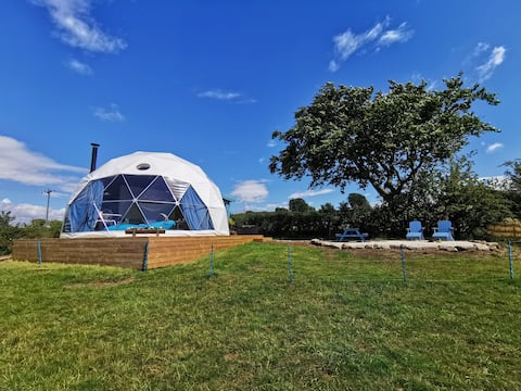 The Dome - Luxury glamping with spectacular views
