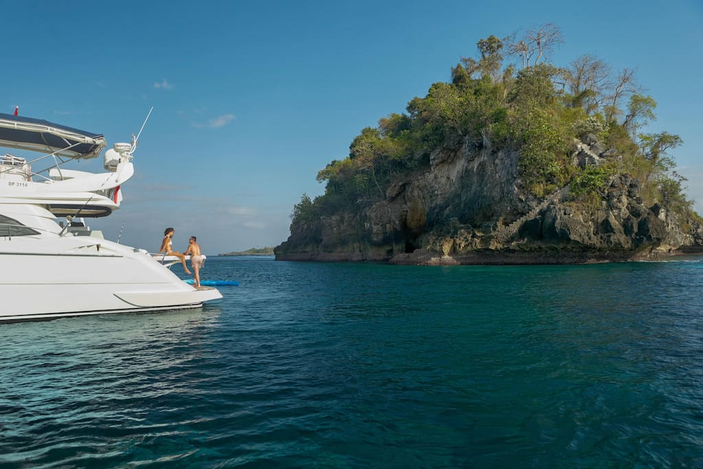 Private charter, discover islands where no one goes...