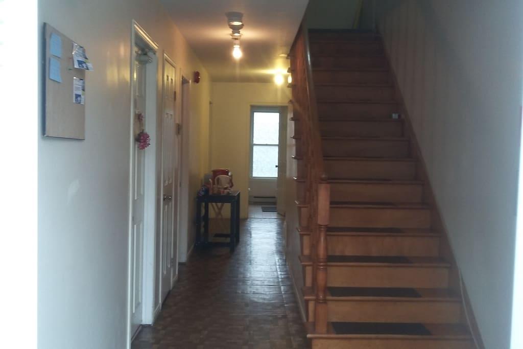2-1st floor entry