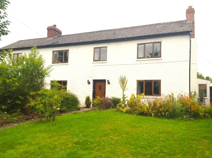 High Bank Cottage - self contained holiday home