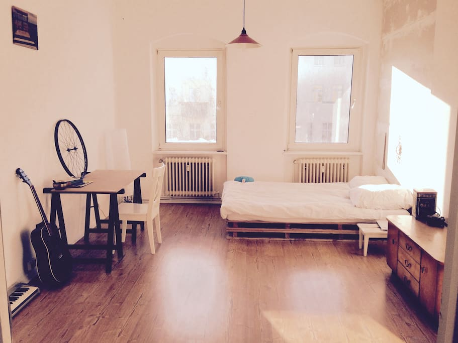 Sunny cozy Room in the Heart of Kreuzberg