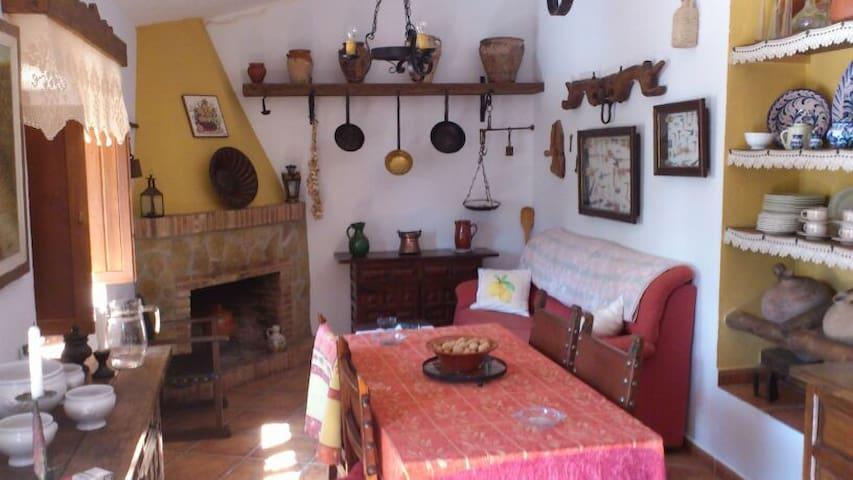 Casa rural en Riogordo - Riogordo - บ้าน