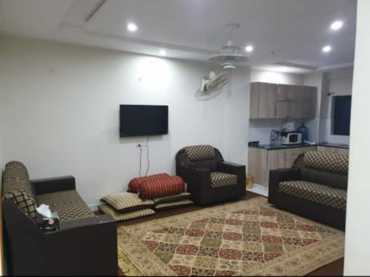 1 Bed Room Furnished Available in Bahria Town