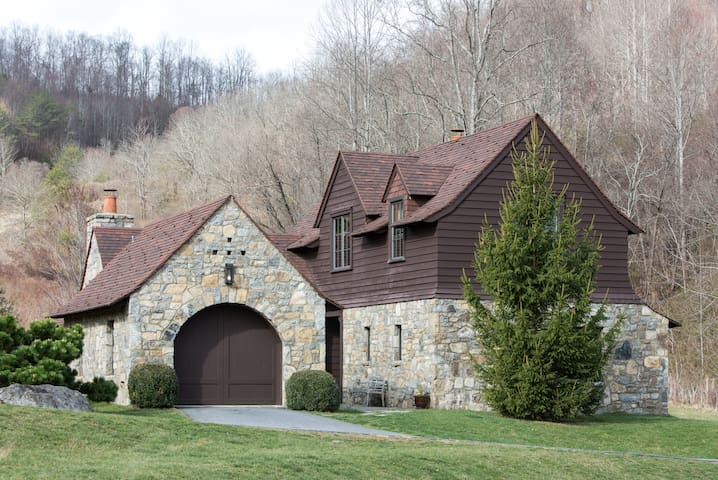 Luxury, 2010, Riverfront Cottage - Canton - House