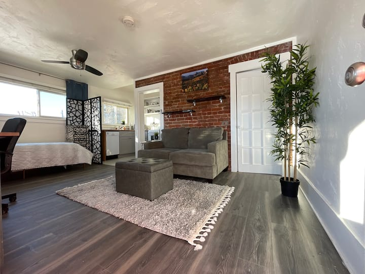 Cozy Monthly Furnished Studio Few Blocks Frm Dtown