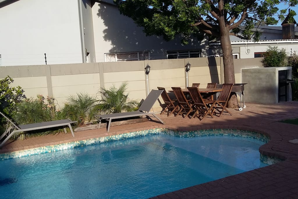 Outside area with pool and braai