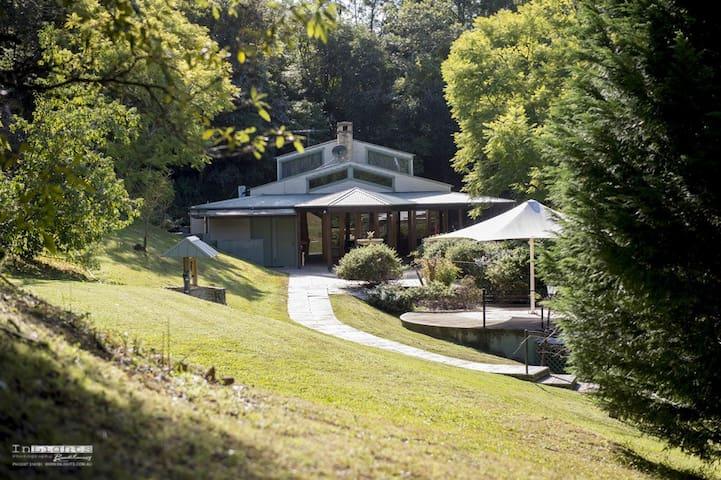 Explorer's Retreat Gateway to The Blue Mountains