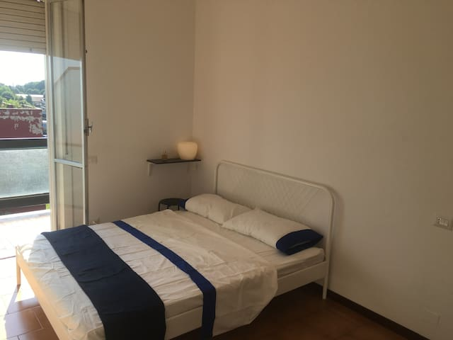 Little apartment + Private Bathroom in Monza - Monza - อพาร์ทเมนท์