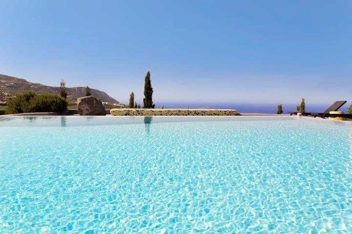 Chelona Villa with private pool and sea view