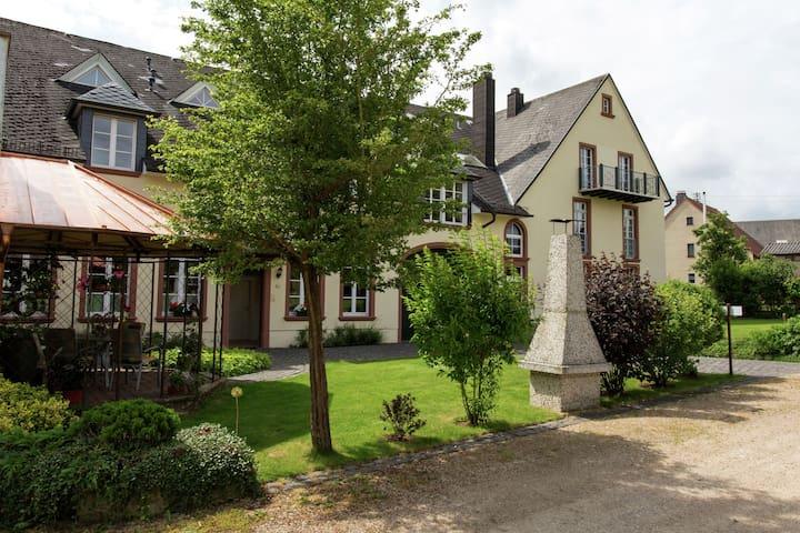 Luxuriöse und sehr bequeme Wohnung mit fantastischer Aussicht und herrlich ruhig gelegen