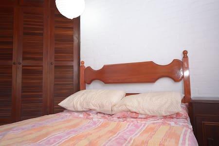 Double bedroom 16m2 w garden view - Campinas
