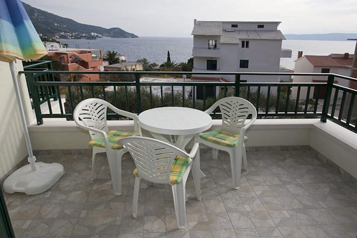 Two bedroom apartment with terrace and sea view Igrane, Makarska (A-17292-b)