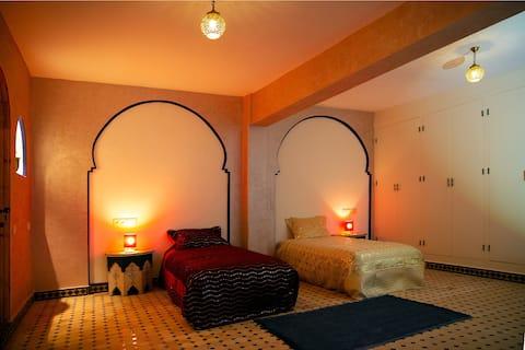 Oasis Argane -  Oriental lounge, 2 single beds