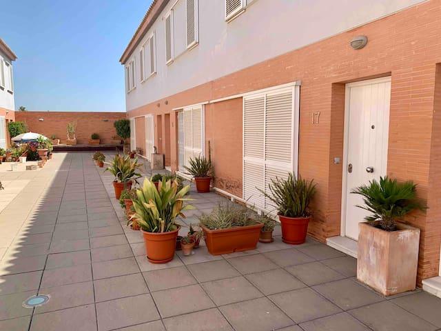 Casa cerca centro de Sevilla.Wifi/Trabajo/Familia