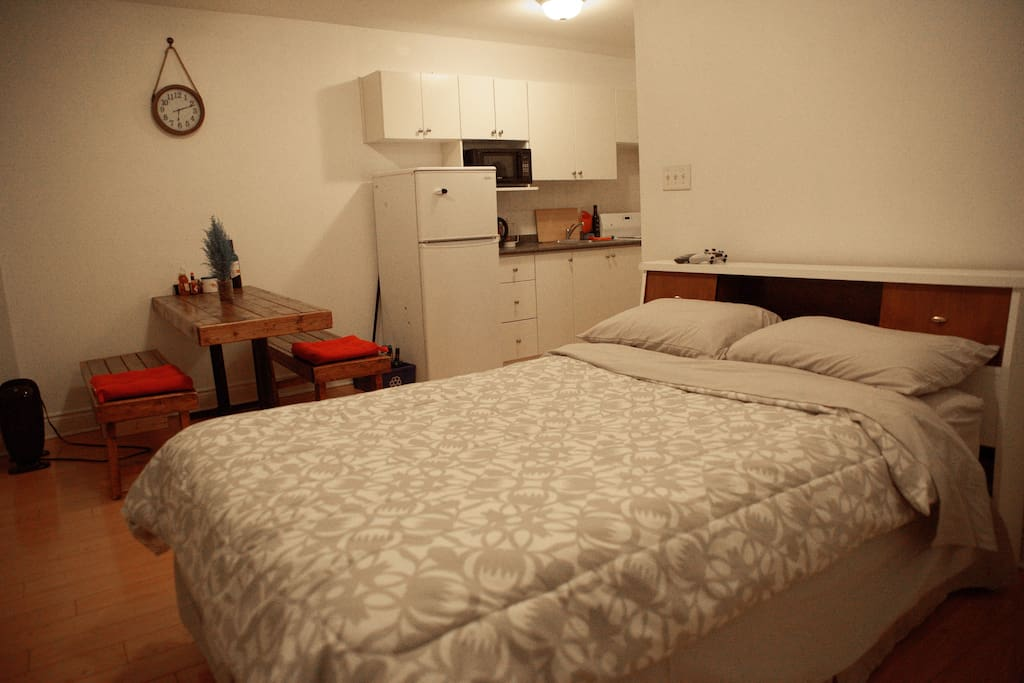Rooms Rent In Queen And Spadina