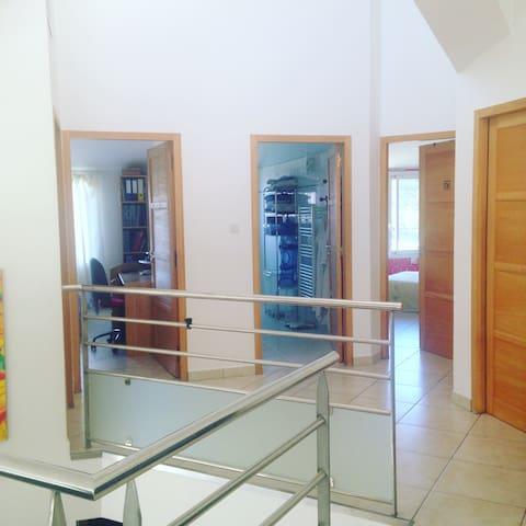 Chambre dans villa d'architecte - Canet-en-Roussillon - Bed & Breakfast