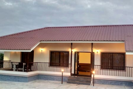 Sunrise Villa by House Khas ! - Nashik - 別荘