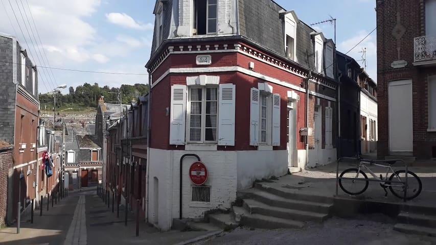 Villa Chaussette ( maison d'artiste )