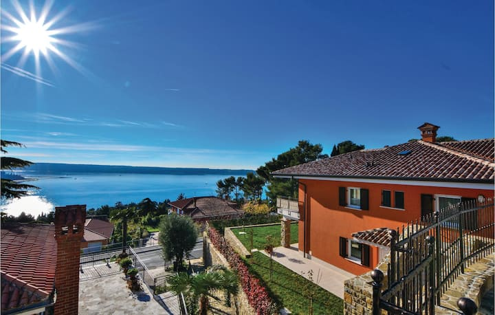 Nice apartment in Portoroz with WiFi and 1 Bedrooms